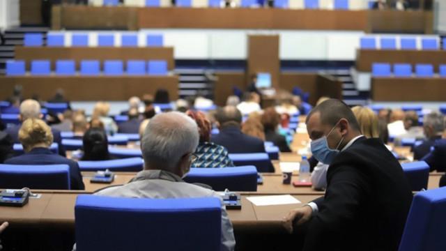 Единодушно: Депутатите решиха, че ковид ваксините ще са с нулева ставка на ДДС