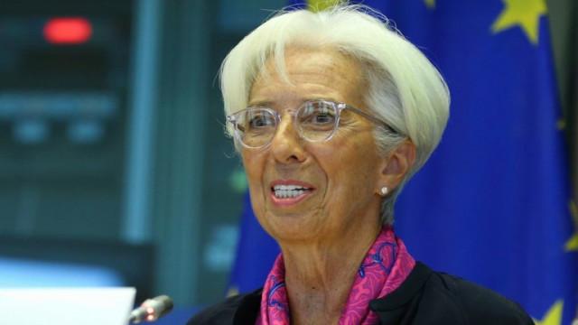 Ще може ли икономиката на Европа да расте толкова бързо, че да изплати нарастващите си дългове?