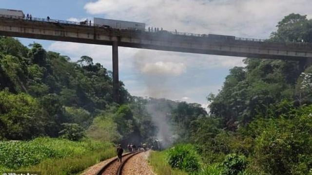 Автобус падна от мост в Бразилия, най-малко 17 са загинали