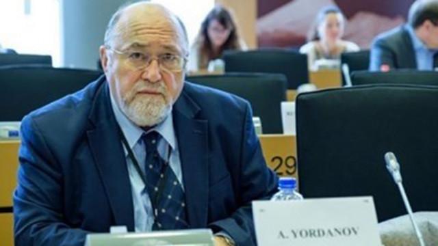 Александър Йорданов: Слаби политици доведоха до разпадането на дясното
