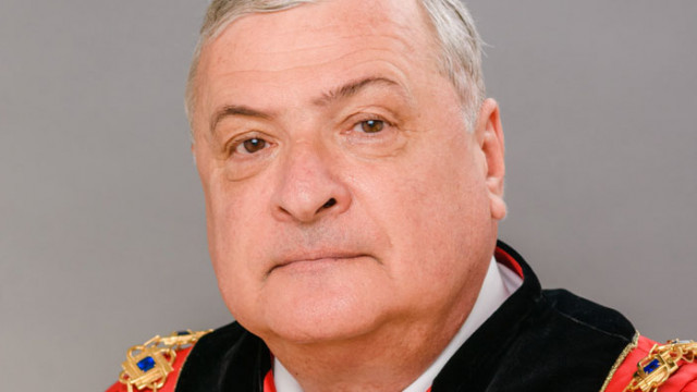 Ректорът на МУ-Варна към бъдещите медици: Честит 8-ми декември!