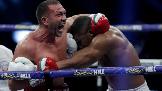 Антъни Джошуа е нанесъл почти три пъти повече удари от Кубрат Пулев
