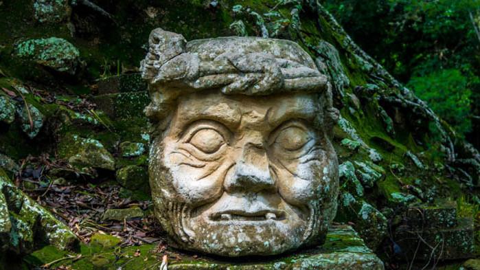 Маите и най-голямата и стара постройка на древния народ