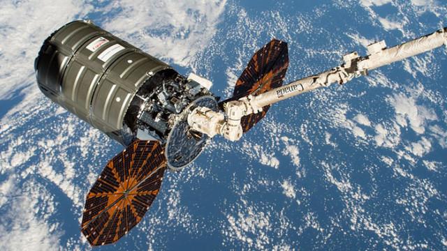 """Разкачването на товарния кораб """"Сигнус"""" от МКС е отложено за началото на 2021"""