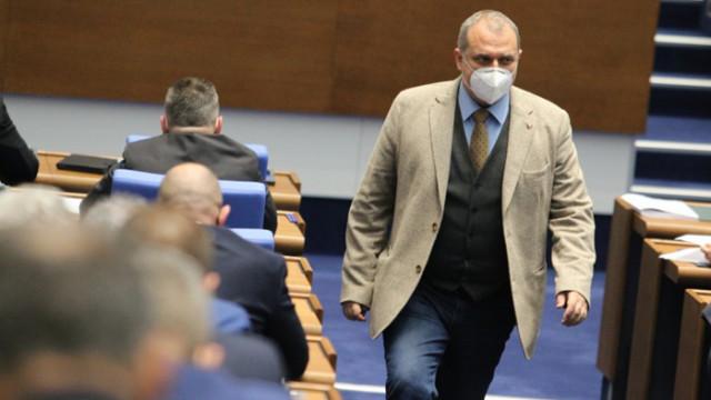 ВМРО: Намаляването или освобождаването от наеми е поредна извоювана антикрисна мярка