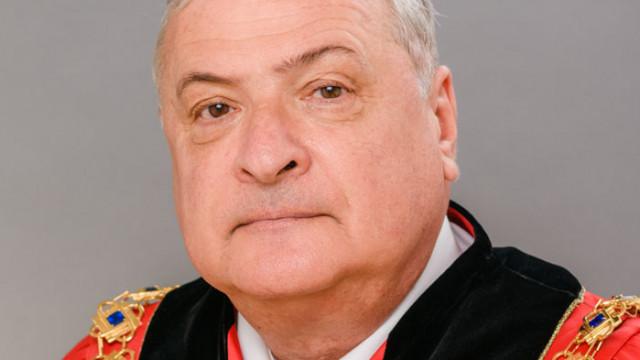 Ректорът на МУ-Варна с празничен поздрав към медици и студенти