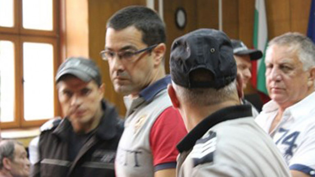 Общо 60 години затвор за трима извършители на въоръжен грабеж в Пазарджик