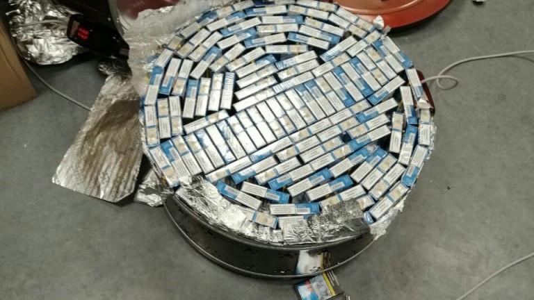 Откриха голям брой контрабандни цигари в печки за пица