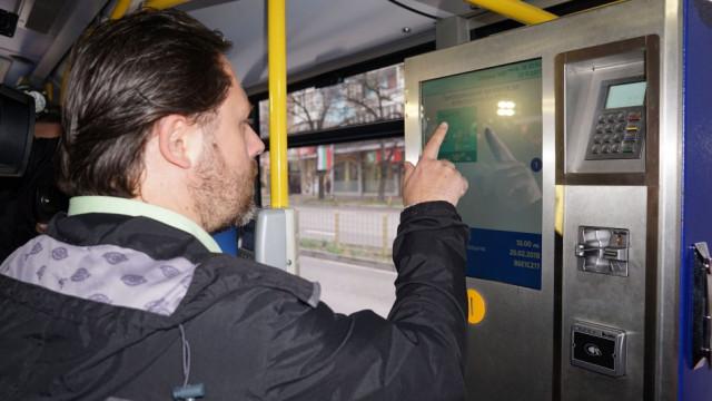 От 1-ви януари билетите за градския транспорт ще се купуват само от автоматите за продажба на билети