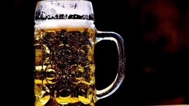 Заради пандемията във Великобритания 1 милиард халби наливна бира са изтекли в канализацията