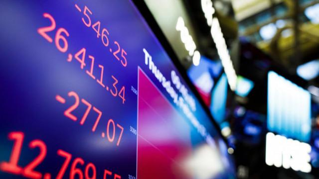 Фондовите борси растат, докато икономиката рухва
