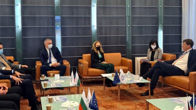 Министър на туризма Марияна Николова се срещна с представители на мениджмънта на летище Варна