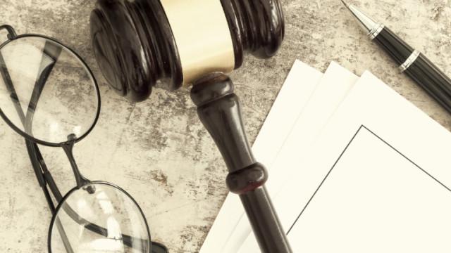 Съдът остави в ареста обвинените за подкуп трима полицаи