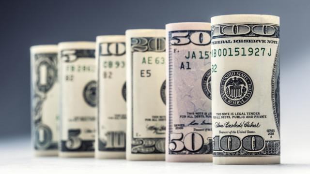 Доларът расте спрямо основните световни валути