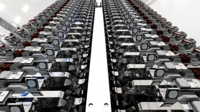 Starlink, SpaceX: Сателитите, които ще станат невидими за окото