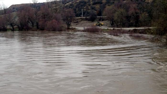 Река Струма преля и наводни къщи в Благоевград