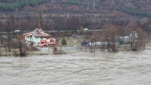 Вече приемат заявления за еднократна помощ за пострадалите от дъждовете