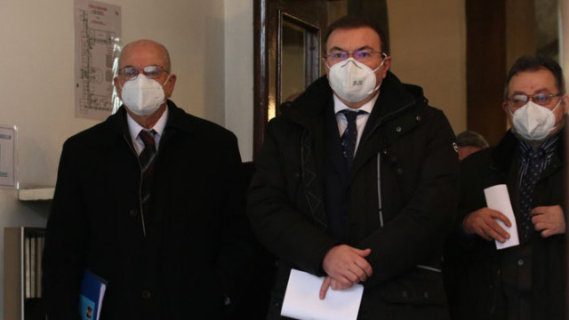 Ангелов: От 25 януари започва масово тестване на учителите