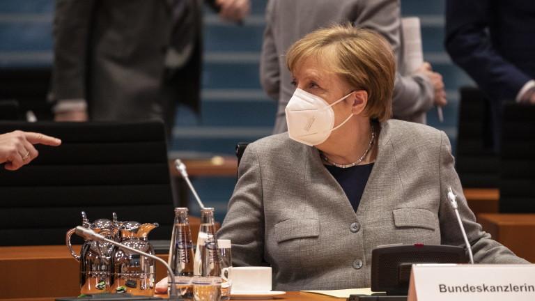 """Меркел настоява за много строги мерки за """"мега блокада"""" в Германия"""
