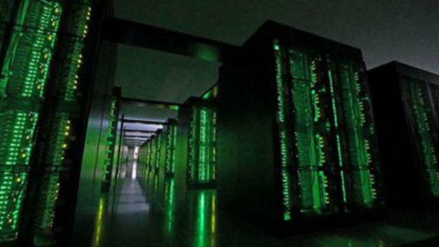 Суперкомпютри изчисляват как класните стаи ще са безопасни