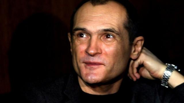 Иззеха над 1400 картини от Васил Божков, сред тях са платна на Майстора и Нерон (СНИМКИ)