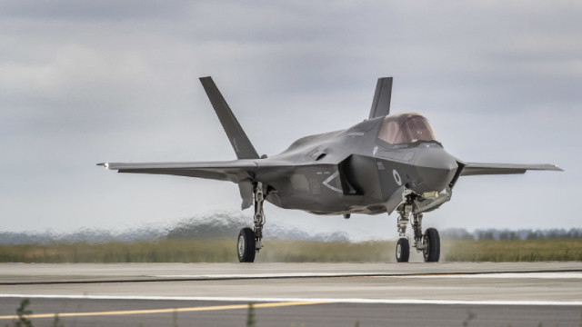 ОАЕ се договори със САЩ да купи 50 изтребителя F-35 и близо 20 бойни дрона