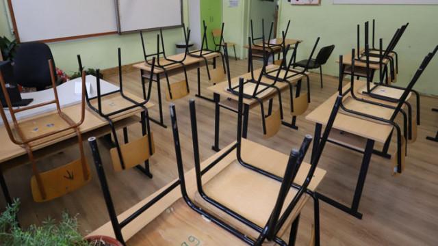 СЗО: Дългото затваряне на училищата застрашава децата