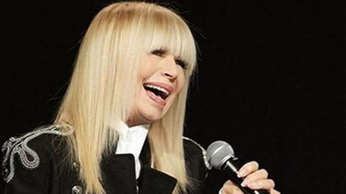 Лили Иванова отлага цялото си турне за края на годината
