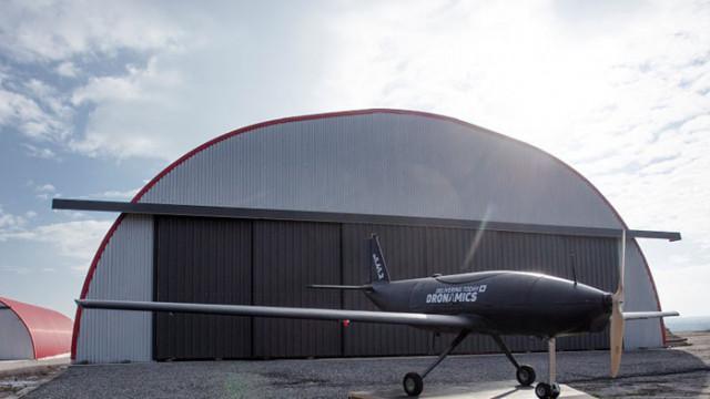 """""""Черният лебед"""" – дронът куриер на Dronamics се готви за излитане (ВИДЕО)"""
