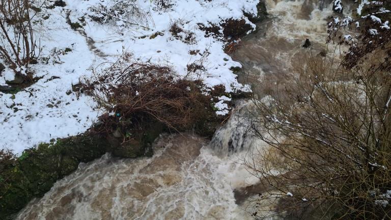 Разград пред опасност заради затлачена река