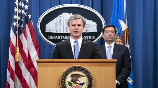 Джо Байдън не възнамерява да сменя директора на ФБР