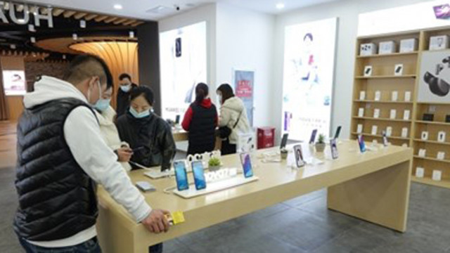 Очаква се силен ръст на глобалните доставки на сгъваеми и 5G смартфони