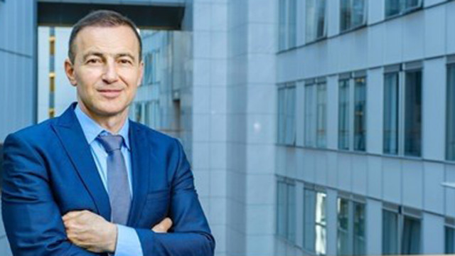 Андрей Ковачев настоява пред ЕК да няма забавяне при доставките на ваксините