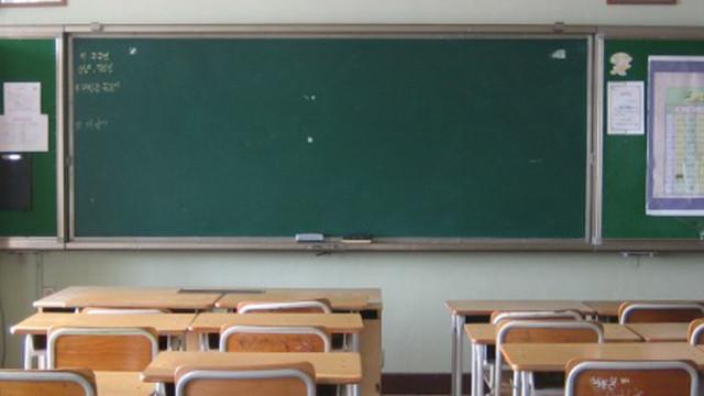 МОН и МЗ изготвят общ план за връщането на учениците присъствено