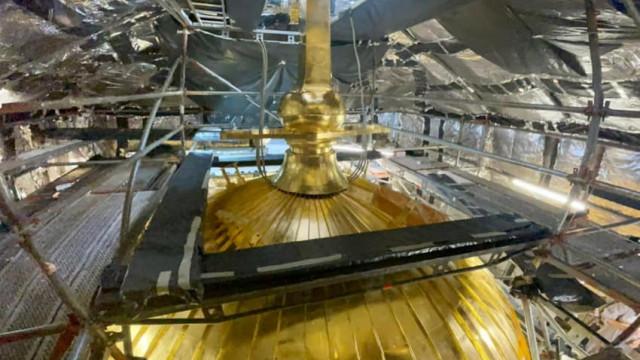 Приключва работата по позлатяването на купола на камбанарията на Катедралата