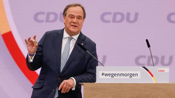 Преброяването на бюлетините потвърди Лашет за лидер на партията на Меркел