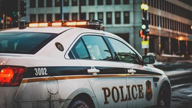 Двама полицаи ранени, докато разпръскват нелегално парти с 200 участници в Лондон