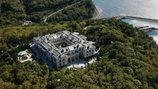Филмът на Навални за двореца на Путин вече има над 75 млн. зрители