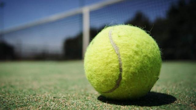 Масаж с топка за тенис