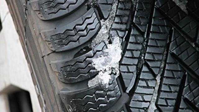 Пътната агенция: Шофьорите да тръгват с коли, подготвени за зимни условия
