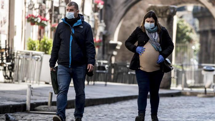 Бременните жени се заразяват по-често с коронавирус