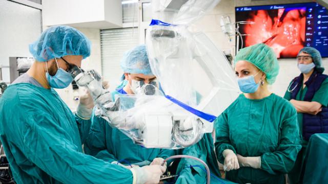 "Клиниката по УНГ болести в УМБАЛ ""Св. Марина"" разполага с последно поколение операционен микроскоп"