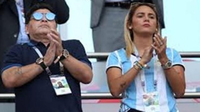 Бивша годеница на Марадона източила кредитната му карта, след като умрял