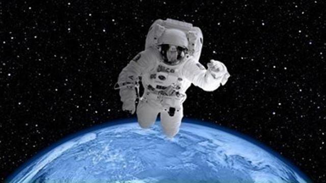 Астронавтите от НАСА приключиха извънбордовата работа на МКС