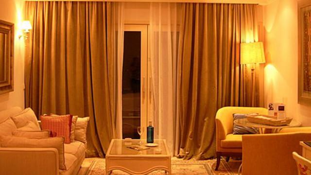 """Варненският районен съд наложи """"пробация"""" за унищожаване и повреждане на хотелско имущество"""