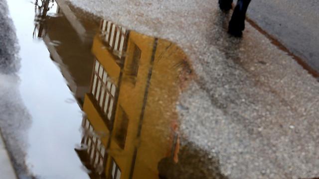 Почистват шахтите в подлезите в София
