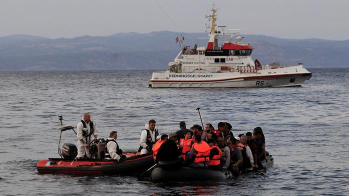 Корабокрушение край Либия - 12 мигранти са в неизвестност