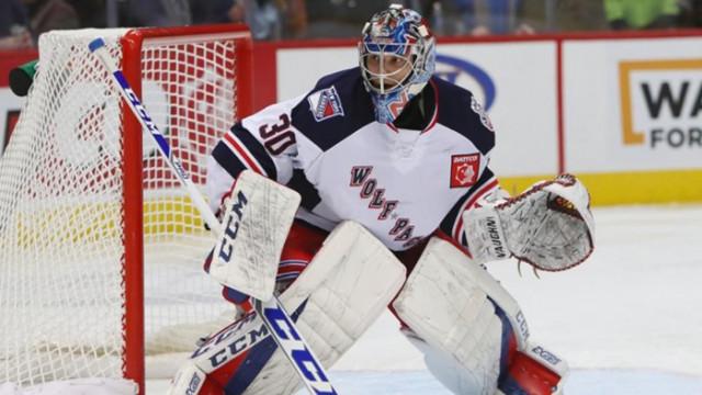 Българин се сби със съотборник след мач в НХЛ