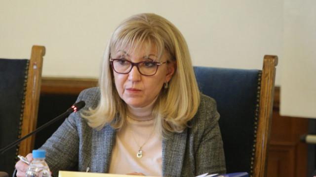 Аврамова иска актуализация на тол таксите и повече пътища в системата