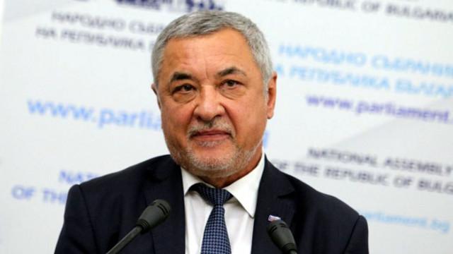 Симеонов: Изненадан съм от решението на ВМРО, за момента не са водени разговори с други формации